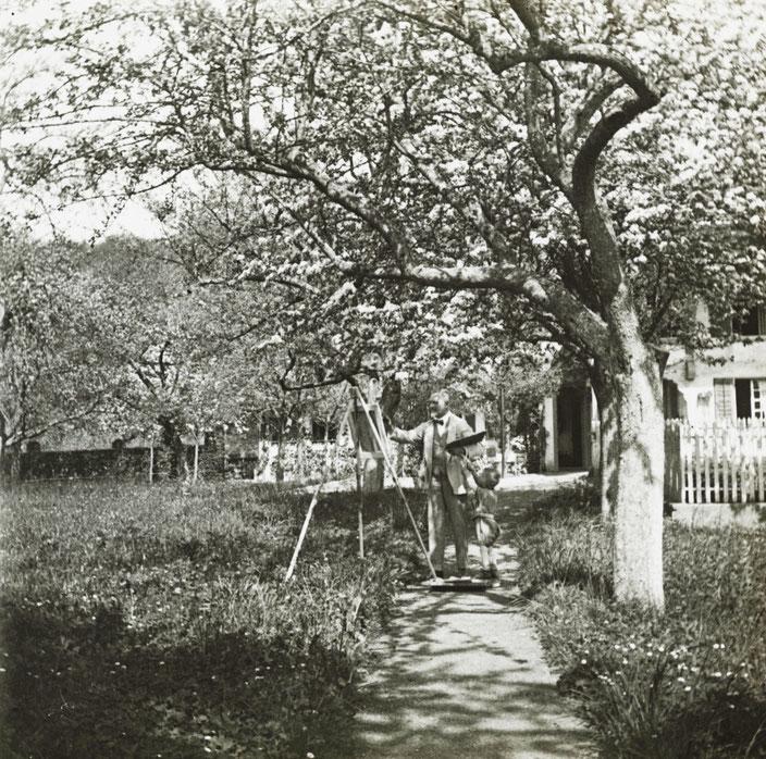 Cuno Amiet malend in seinem Obstgarten, undatiert.