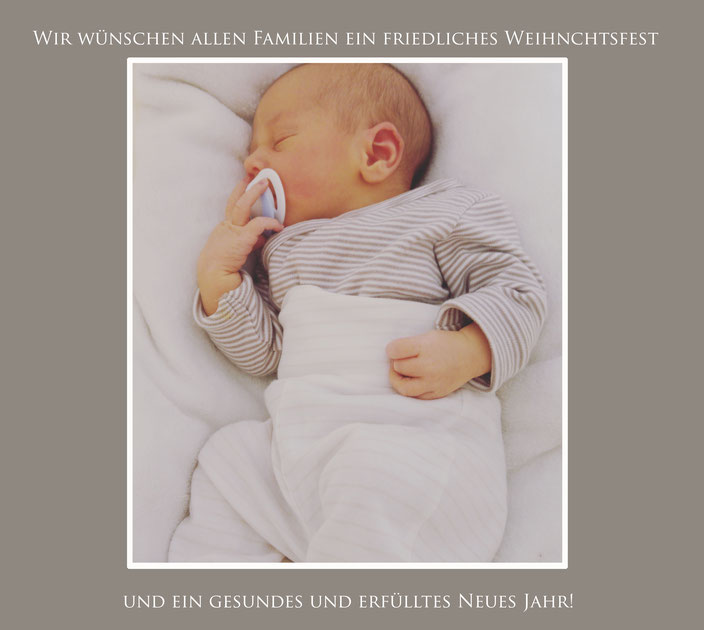Baby in Wombagee Federwiege