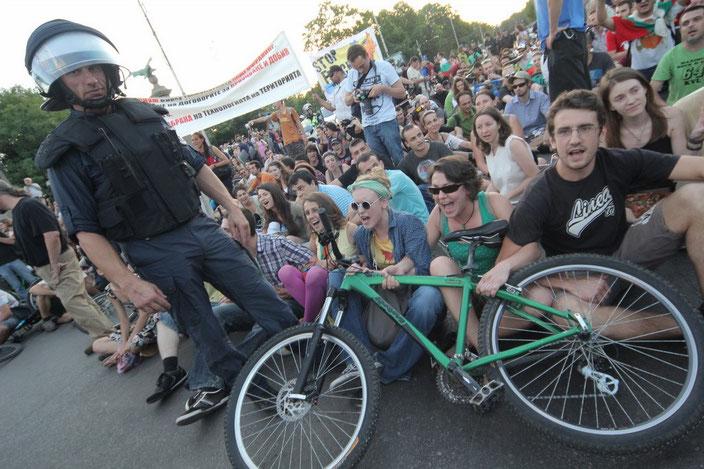Vor allem junge AktivistInnen der bulgarischen Zivilgesellschaft kämpfen gegen Korruption und für mehr Naturschutz