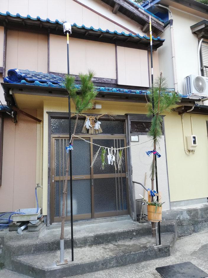 宿の家の玄関