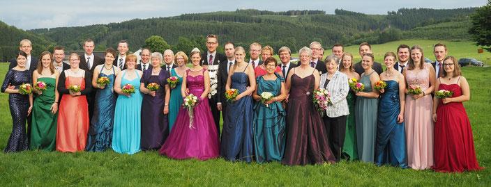 Das Königspaar mit Hofstaat und den Jubilaren