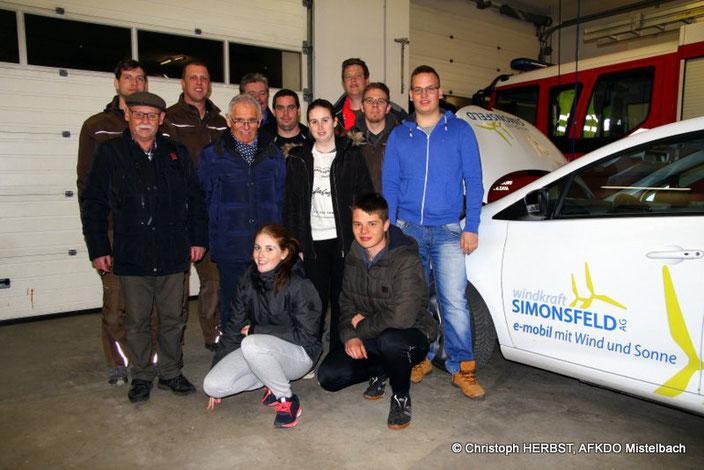 Die Windkarft Simonsfeld AG stellt das Elektroauto als Anschauungsobjekt zur Verfügung. Bildquelle: Christoph HERBST