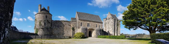 Photo panoramique du château de Saint-sauveur-le-Vicomte (Manche)