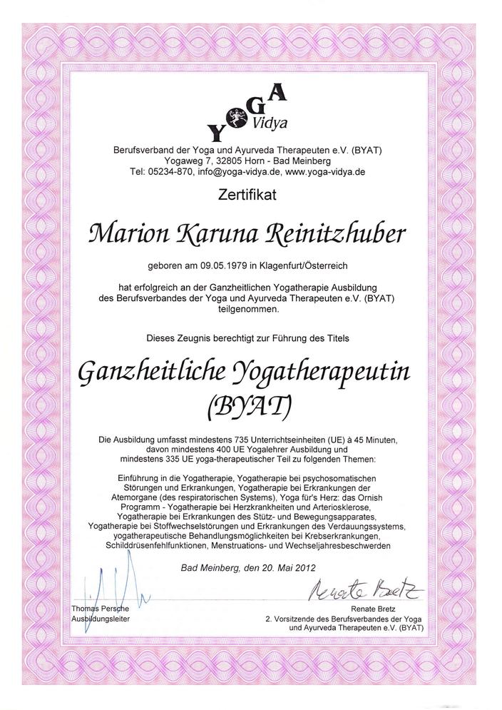 Zeugnis Yogatherapie - Dr. Marion Reinitzhuber