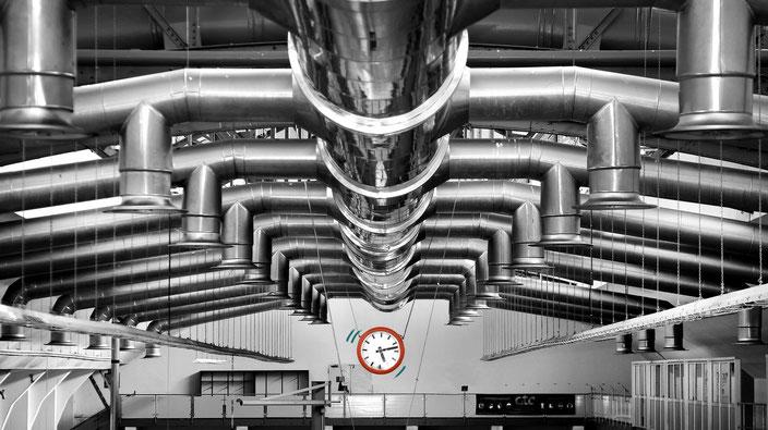 Produktion, Planung, Fertigung, Technik. Moderne Maschinenhalle.