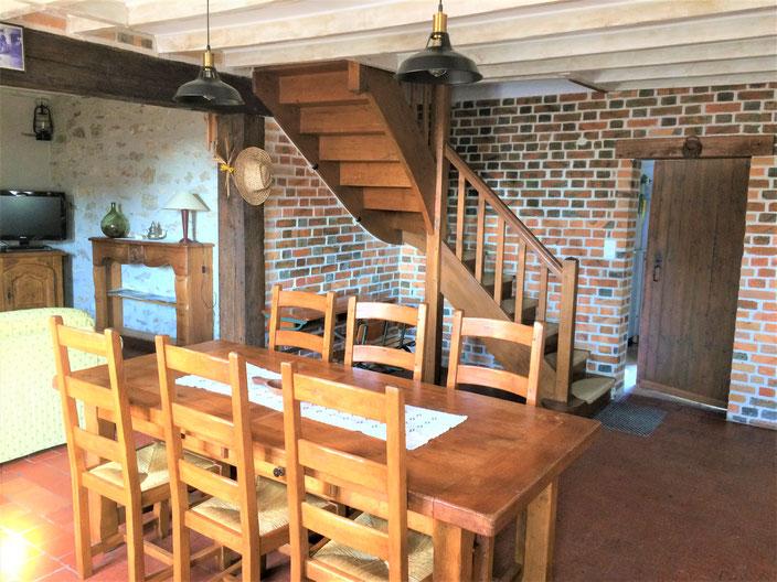 Salle à manger: vue de l'entrée