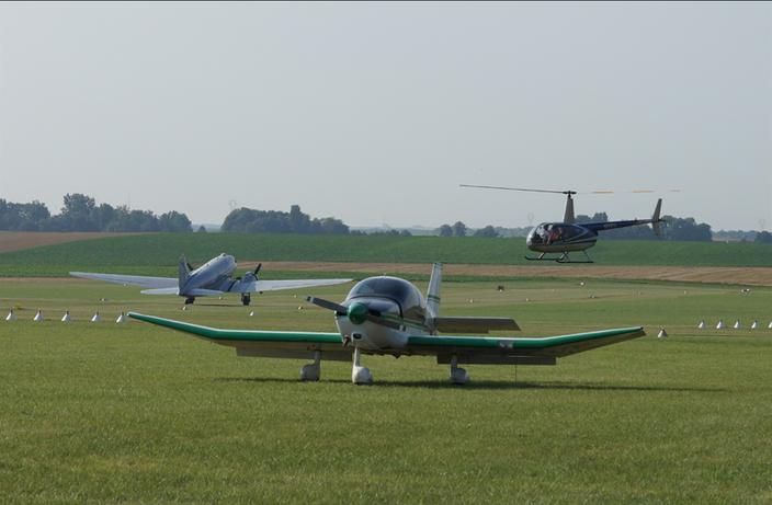 Aeroclub de Sens - Aérodrome de Pont-Sur-Yonne - LFGO - DR400