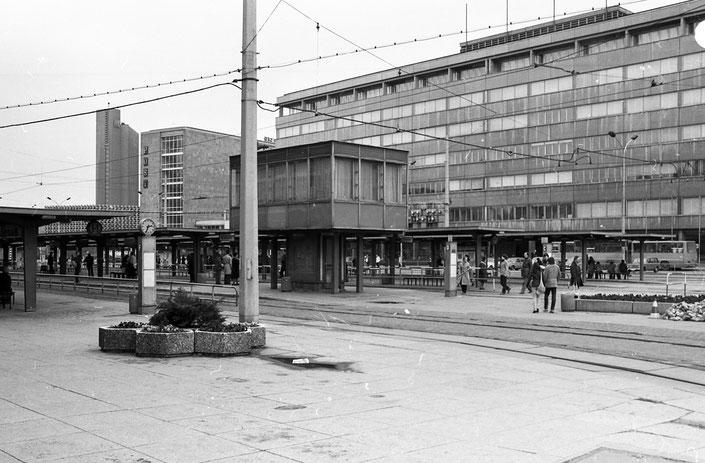 Zentralhaltestelle, Post, Hotel Kongress, Karl-Marx-Stadt, 1980, 80er Jahre, DDR, Deutsche Demokratische Republik