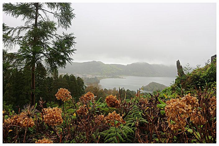 Sete Cidades Blick auf die zwei Seen von Sao Miguel Azoren Portugal