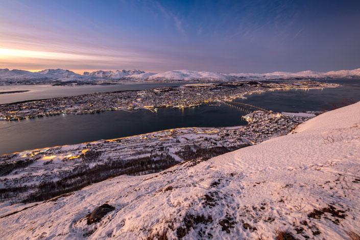 Aussicht vom Storsteinen auf die Stadt Tromsø