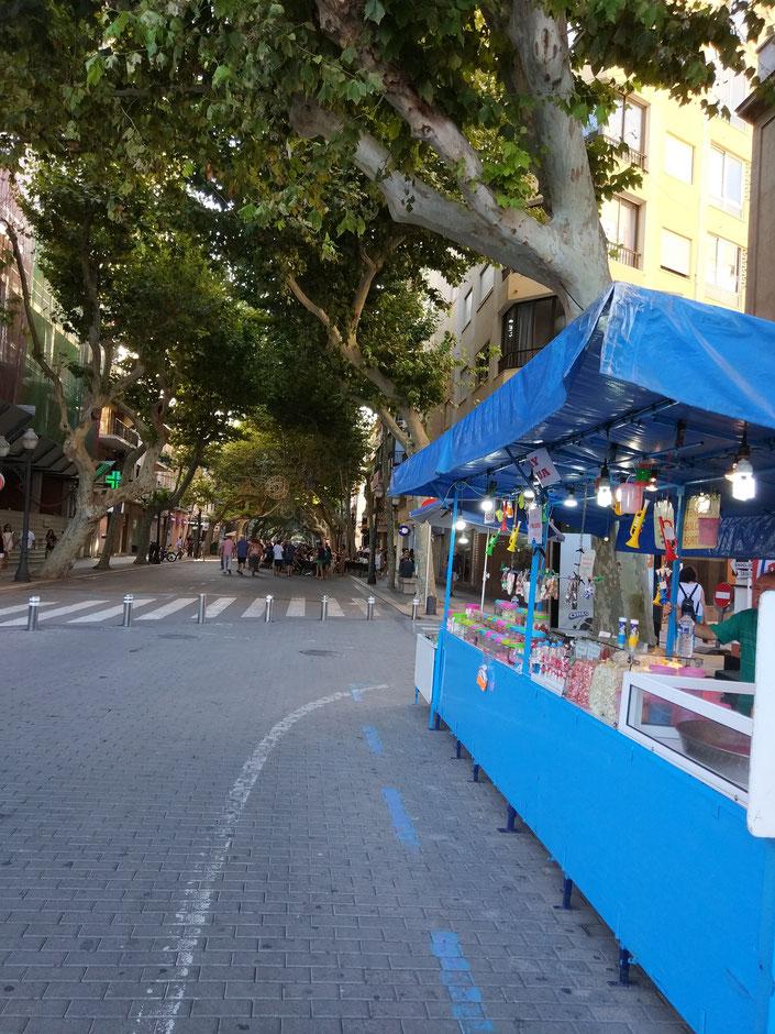 El negocio de calle de Vicente Estruch se encuentra al final de Marqués de Campo, ya en los aledaños del puerto de Dénia
