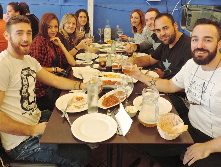 Los amigos y compañeros del Dorian Gray tampoco quisieron perderse la cita gastronómica del otoño