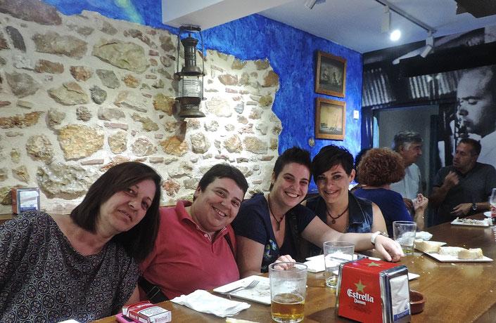"""El equipo del Bar La Pujadeta disfrutó con sus amigas de una gran velada en el pequeño de """"Los Marinos"""""""