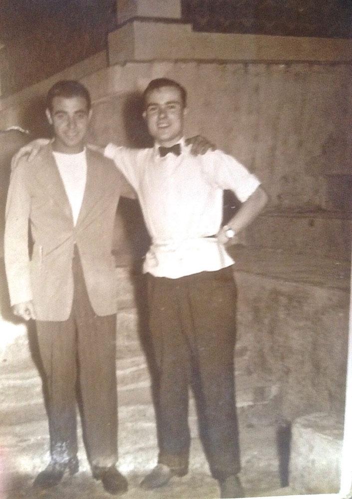 Pepe Montoro (izda.) y Pedro Bordes (dcha). Cuando la hostelería, el boxeo y la amistad se unían en el Cine La Rosaleda