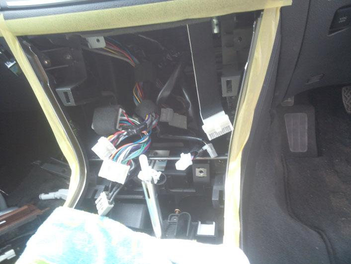自動車電装整備 オーディオ フーガ