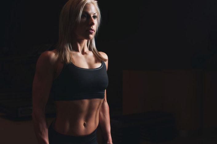 schlanke Taille, flacher Bauch - abnehmen mit dem richtigen Training
