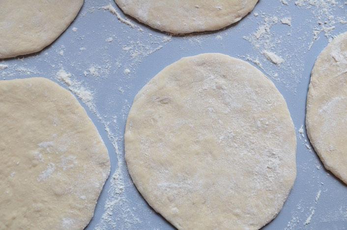 Pita-Brot selber machen, einfach und lecker mit Pour le Plaisir