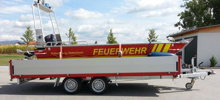 Flachwasserschubboot mit 15 PS Außenbordmotor Baujahr 2015