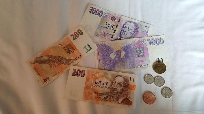 Geld können sie ja die Tschechen! ;-) Sieht echt schön aus und fühlt sich mal so viel an, lach!