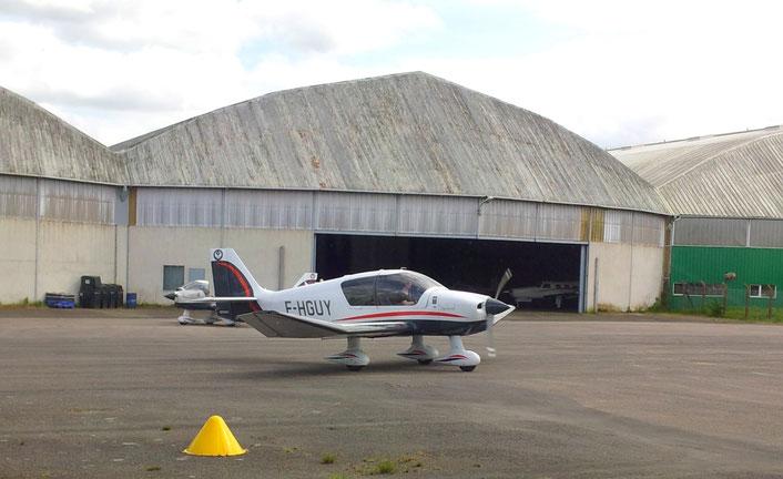 DR400 au départ à Rennes Hop tour des jeunes pilotes htjp tajp