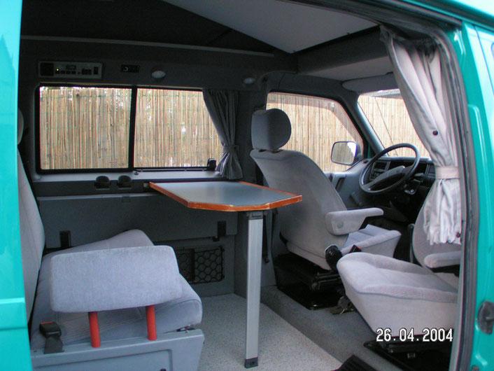 Karmann-Karuso-Campingbus von Innen