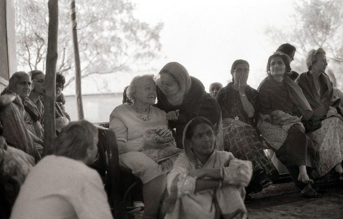 1976, Upper Mejerabad ; Judith is seated at the far right - photo taken by David Fenster