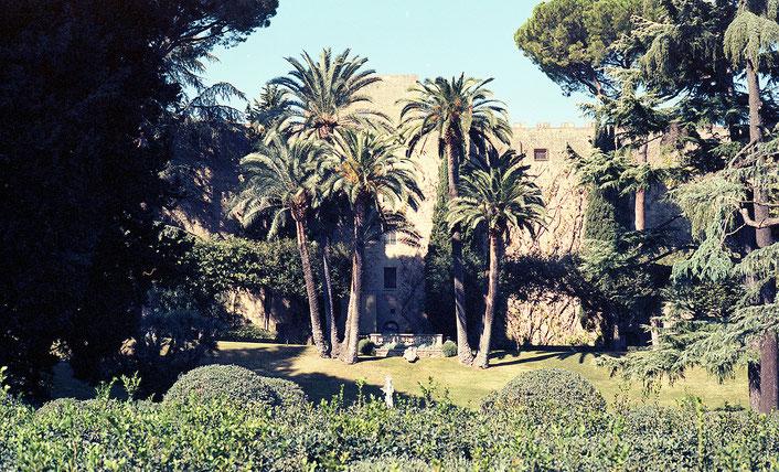 image: Nina Luca, Swiss blogger, schweizer blogger, vatican gardens, vatican city, schweizer bloggerin, swiss lifestyle blogger, swiss travel blog