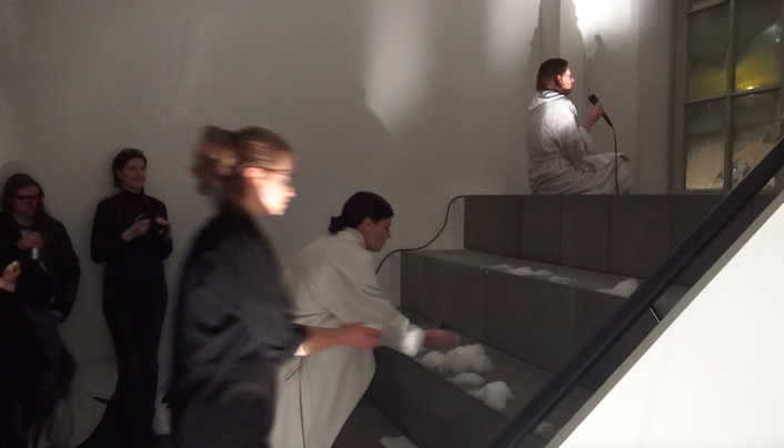 "Anne Pflug ""Water Park"" Performance at Stoffbandnacht festival curated by Yorgos Sapountzis at Kunsthaus Hamburg February 2017"
