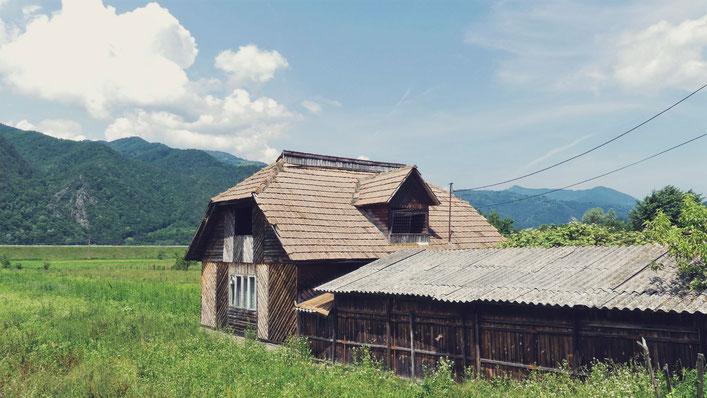 carpates bigousteppes balkans maison bois