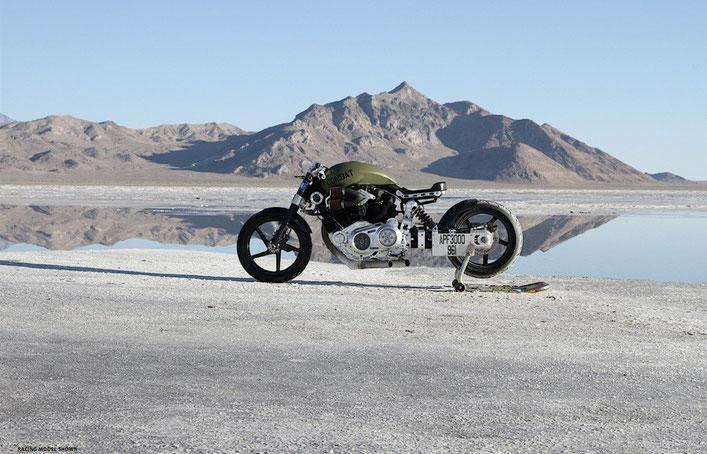 Confederate Motorcycles R132 Hellcat Combat