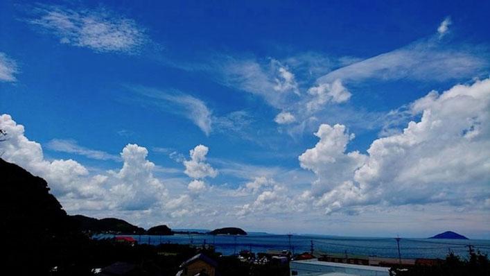 福岡県糸島市、夏の空