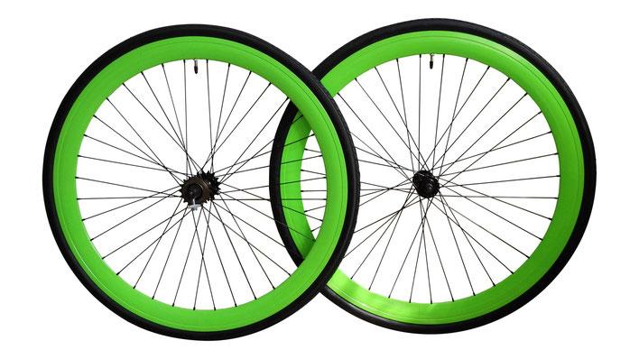 Coppia ruote con cerchi verdi da 43 mm