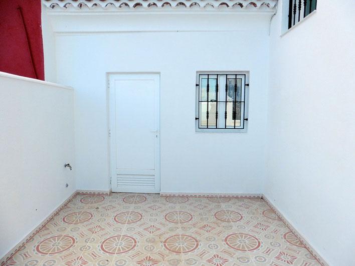 Tür die zur separaten Wohnung führt