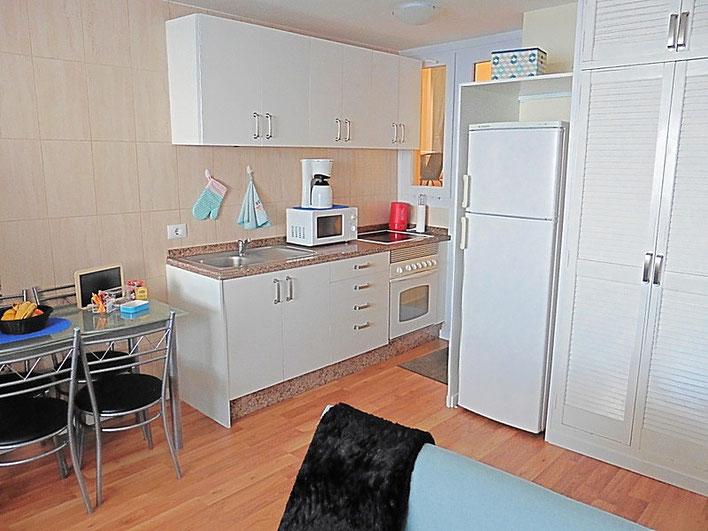 Küche mit Wohn- und Essraum