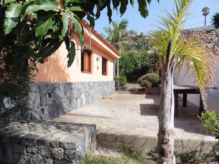 Seitliche Terrasse