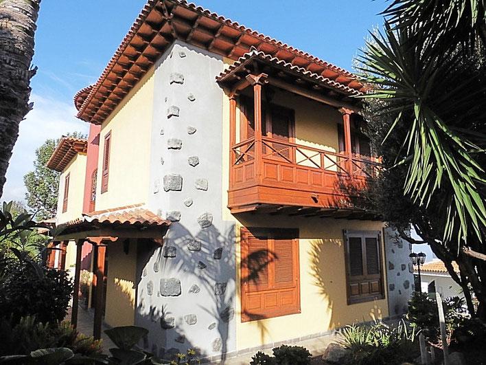 Modernes kanarische Haus mit 2 Wohnebenen.