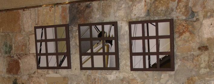 Tryptique en béton brun et photos prises sur le port de Granville