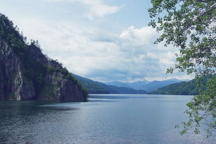 bigousteppes roumanie lac vidraru montagne