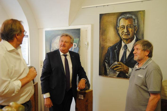 Besuch Landrat Franz Meyer in der Galerie König-Schalinski Fotograf:Werner Windpassinger