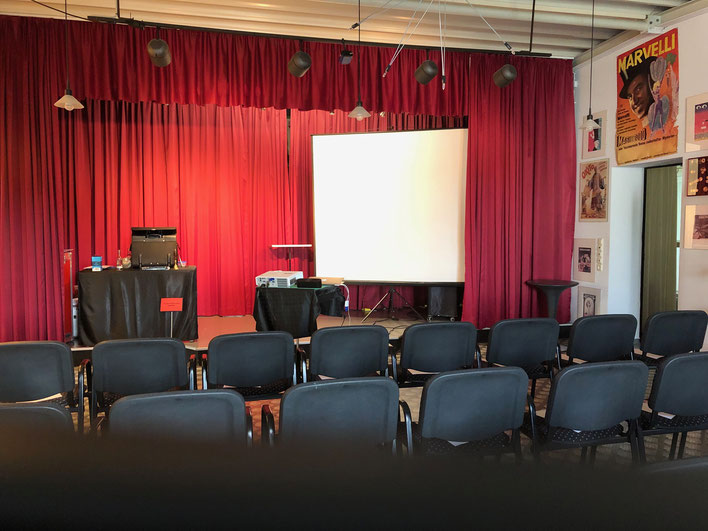 Seminar Kinderzauberei 141 Prozent: Marc Dibowski. Hier: Stolina-Magie