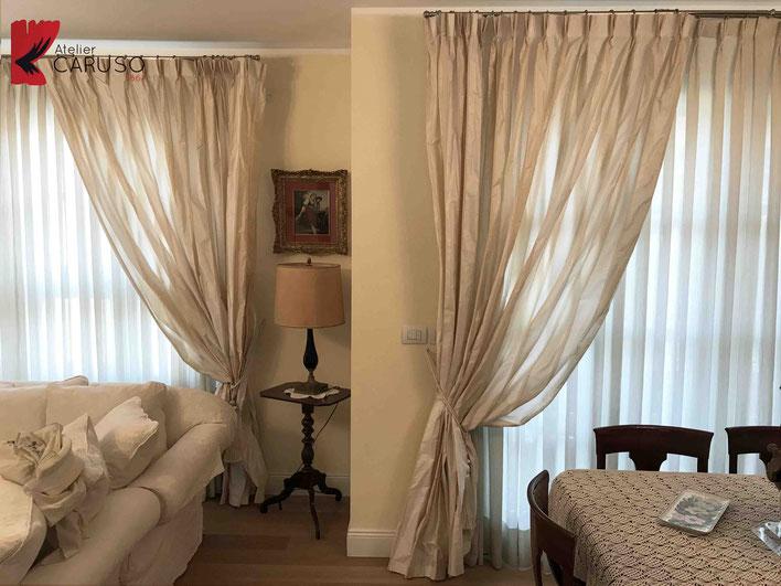 Tendaggi torino atelier tessuti arredamento tende for Tende da interni classiche