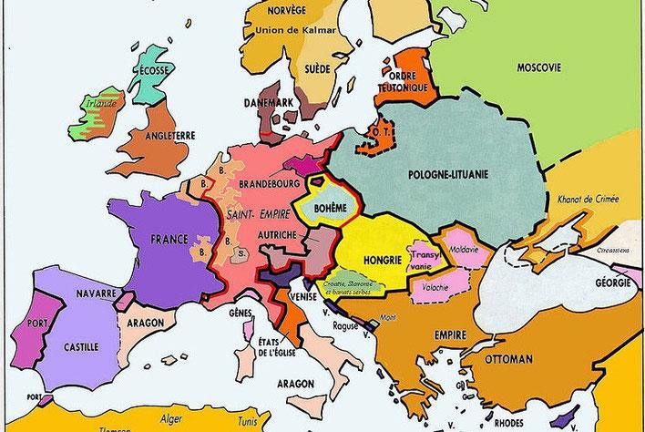La violence des persécutions de la part des clergés catholique et protestant était telle que les défenseurs de l'unicité de Dieu se sont réfugiés vers l'est, comme en Bohème (République Tchèque), en Pologne, en Lituanie, en Transylvanie (Roumanie).