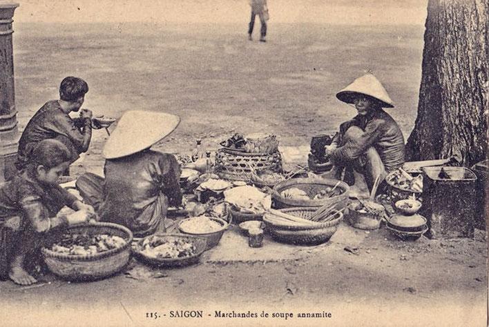 Pedro Meier – Vietnam 1971 – Markt in Saigon – alte Postkarte Indochina – Sammlung © Pedro Meier Multimedia Artist/ProLitteris Zürich Visarte – Basel Art Berlin –Swiss Society – Bangkok Art Group – Gerhard Meier-Weg Niederbipp Bern Oberaargau