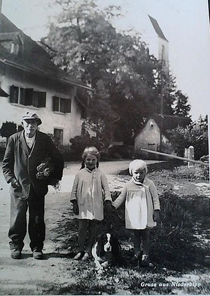Niederbipp alias Amrain – Kirche, Pfarrhaus und Kirchgasse – Gruss aus Niederbipp – alte Postkarte um 1925 – Archiv © Pedro Meier Multimedia Artist / ProLitteris Zürich – Gerhard Meier-Weg, Atelier – Niederbipp