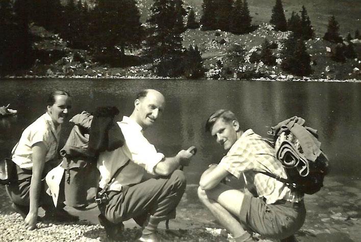 Pedro Meier – mit seinen Eltern Gerhard Meier (Suhrkamp) und Dorli Meier auf einer Bergwanderung im Berner Oberland um 1958 – Archiv © Pedro Meier Multimedia Artist/ProLitteris Zürich – Gerhard Meier-Weg Niederbipp Amrain Bern Oberaargau – Jurasüdfuss