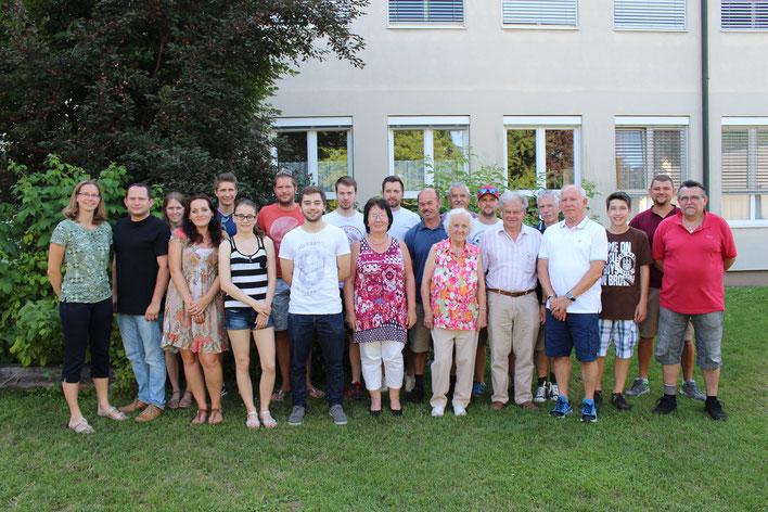 Immer größer wird der TTV Sierndorf, wie unser Gruppenfoto zeigt.