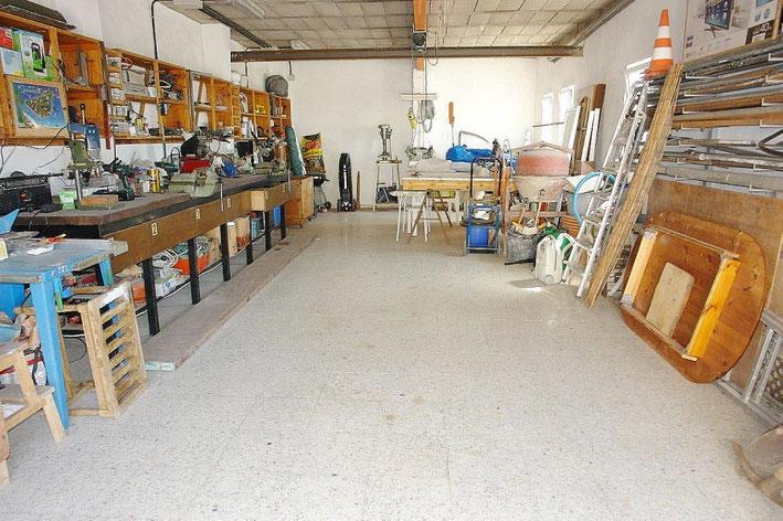 Garage mit 380 W Kraftstromanschluss