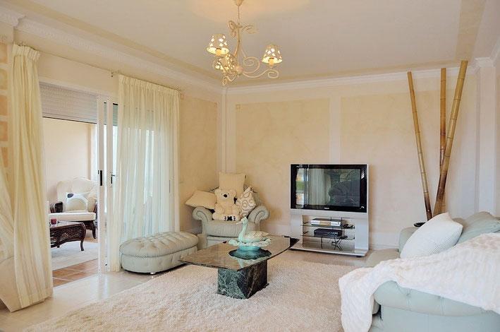 TV - Bereich der Villa