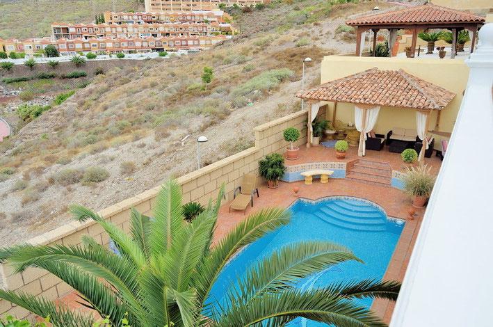 Luxus Villa mit Pool und Meerblick