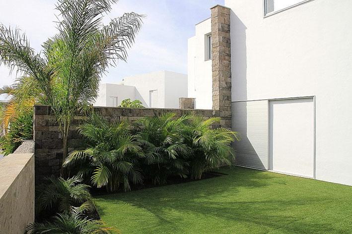 Gartenbereich an der Villa